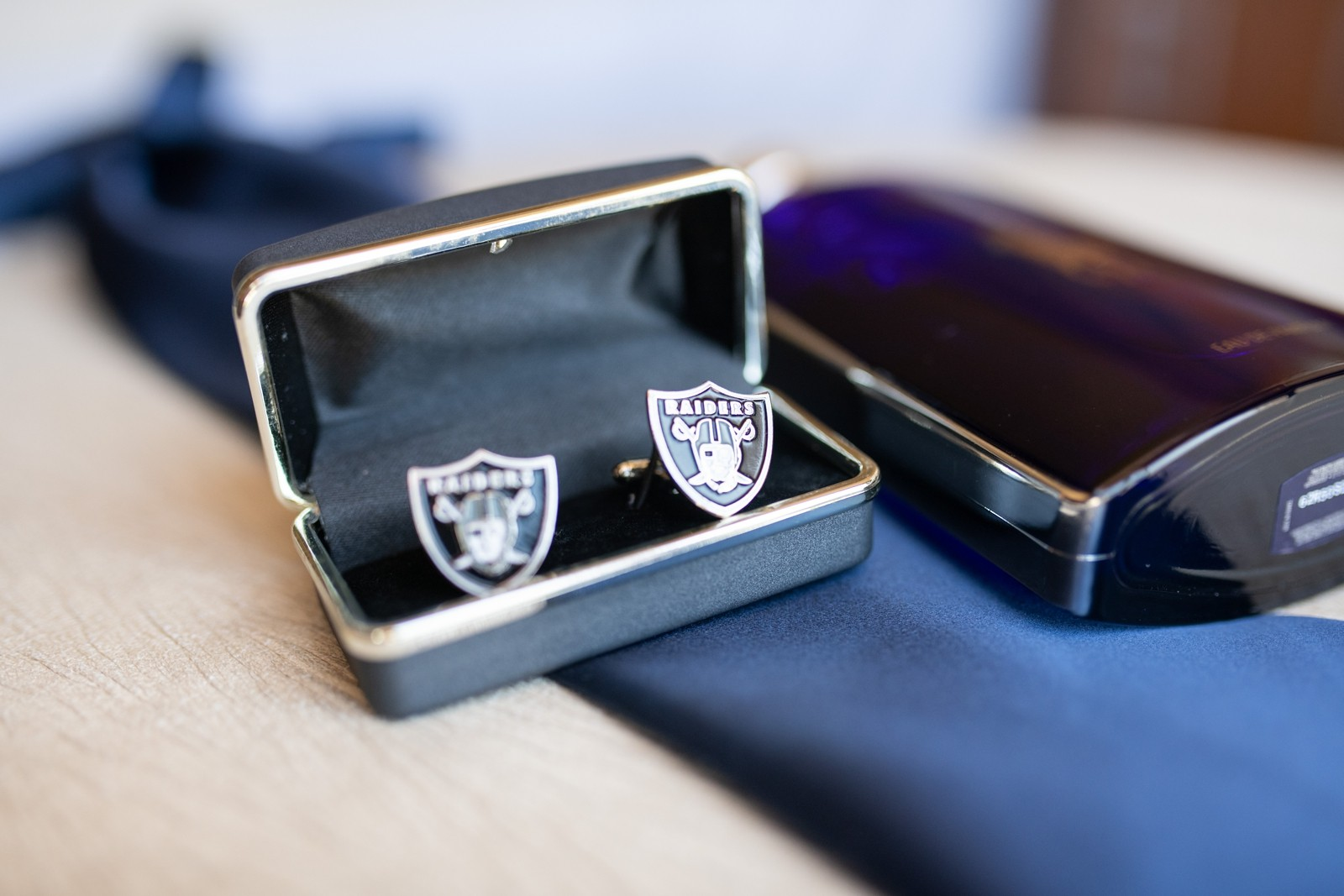 Groom raiders cufflinks