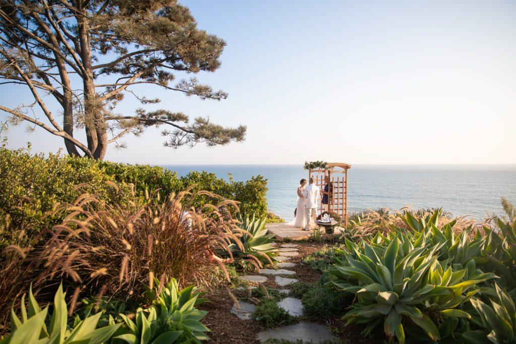 micro-wedding elopement beach